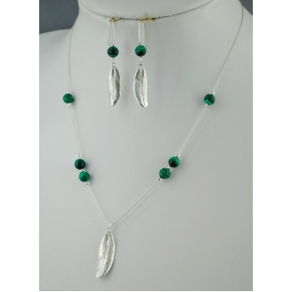 Sterling silver chain necklace with semi precious stone and 1 olive leaf Natural Green Malachite